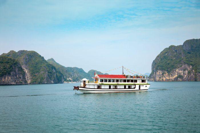 Golden_Bay_Cruise_Halong