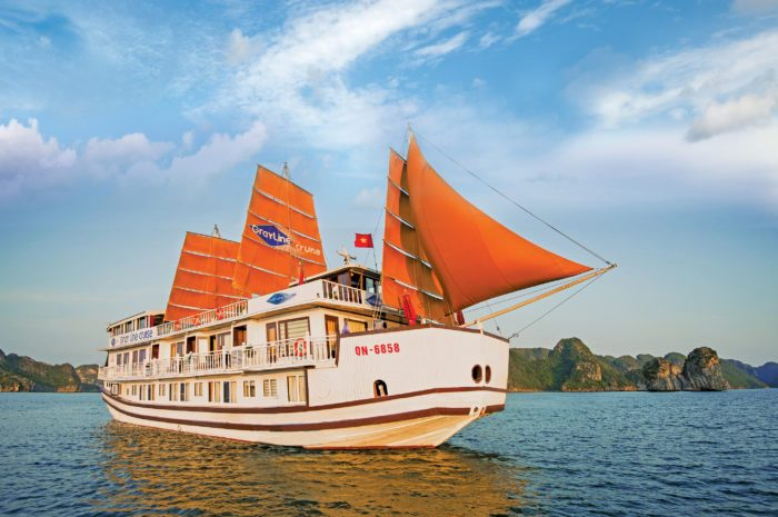 Gray_Line_Halong_Cruise